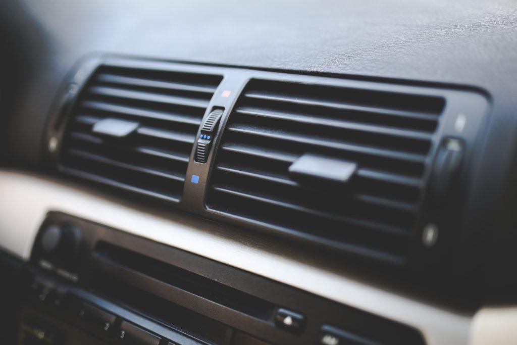 車用エアコン